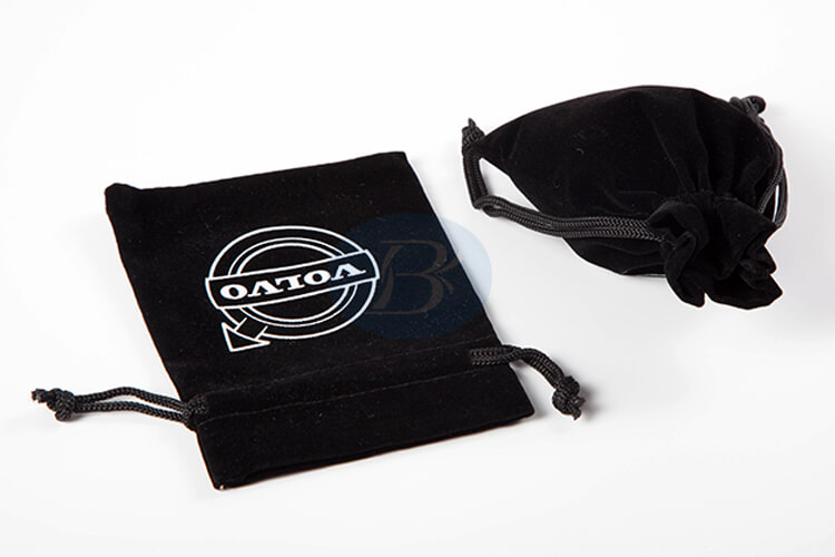 custom black velvet pouch bag supplier
