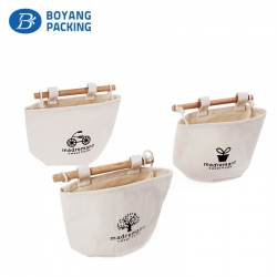 Custom white canvas bag are used for storing goods