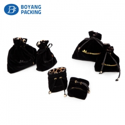 Superior quality black velvet jewelry pouches factory