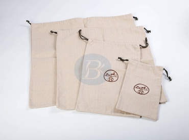 What is the difference between a cotton bags and a canvas bags?