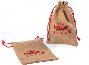 The advantages of jute drawstring bags material.