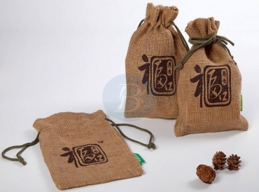 Why is the jute jewelry bag popular?