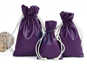 Four advantages of custom velvet bags